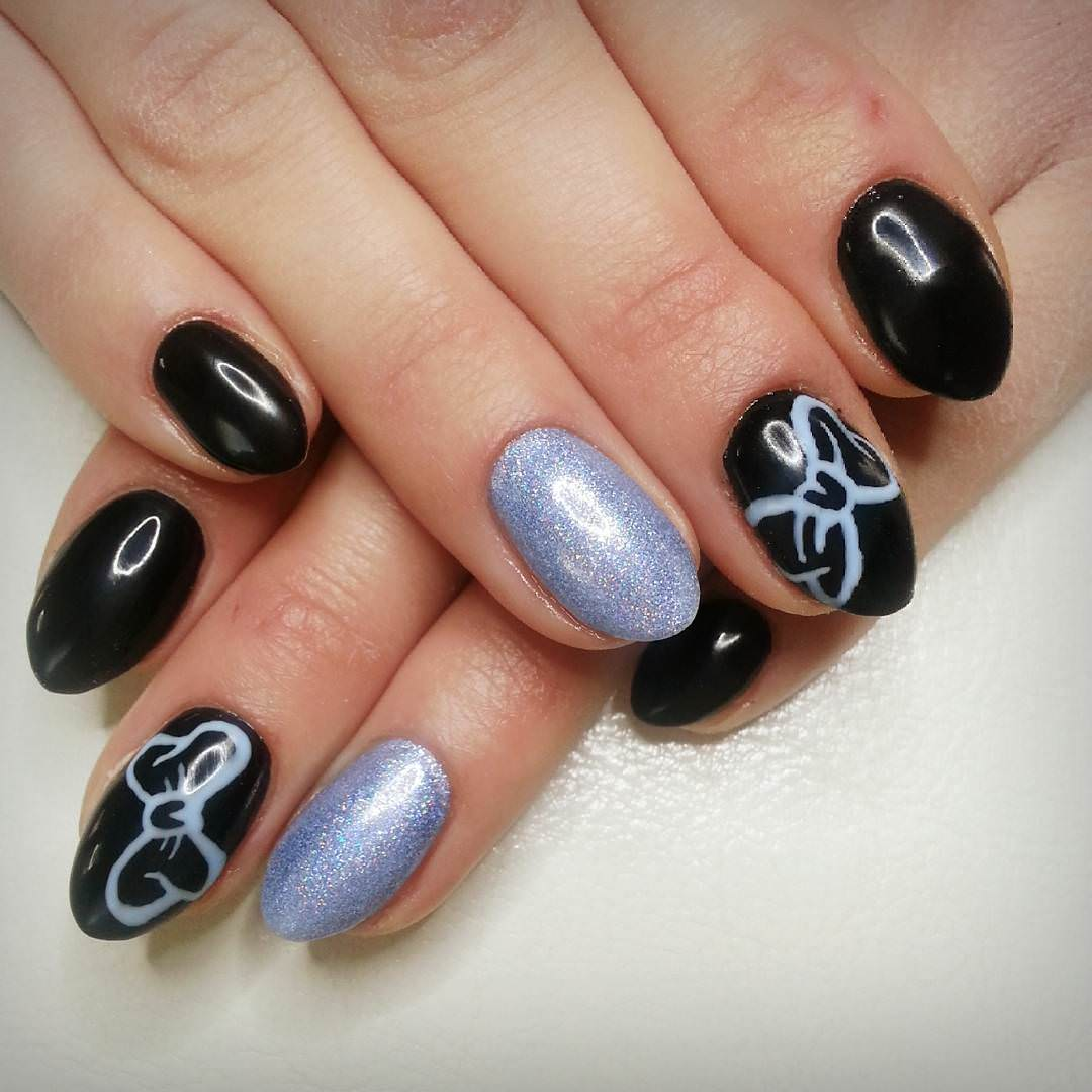 Gel Bow Nail Design