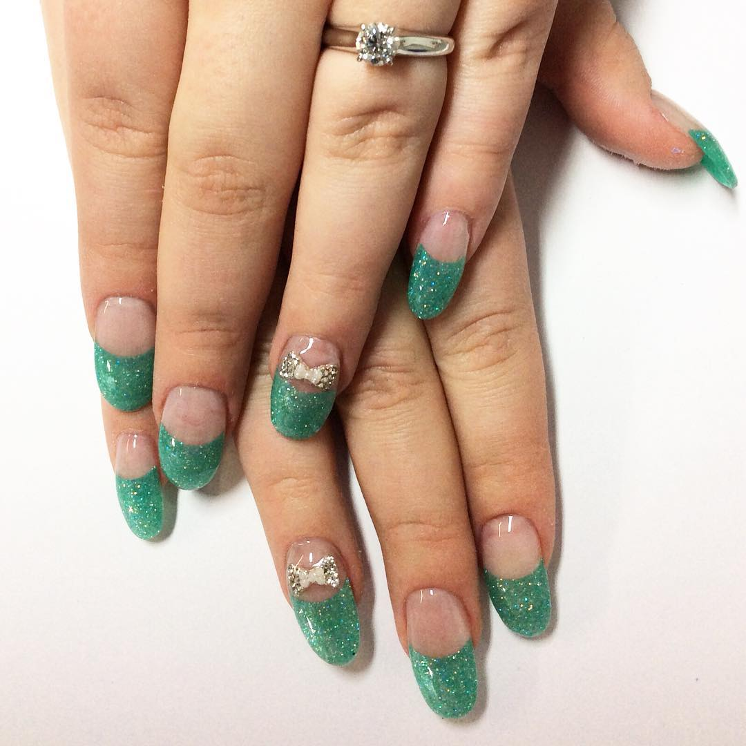 Green Bow Nail Design
