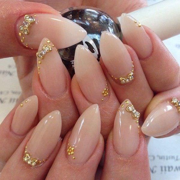 Simplicity Bow Nail Design