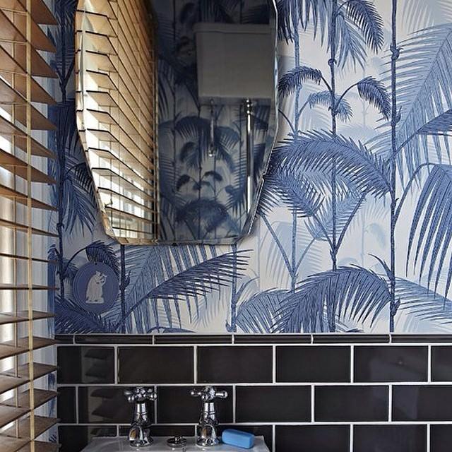 blue bathroom wallpaper design