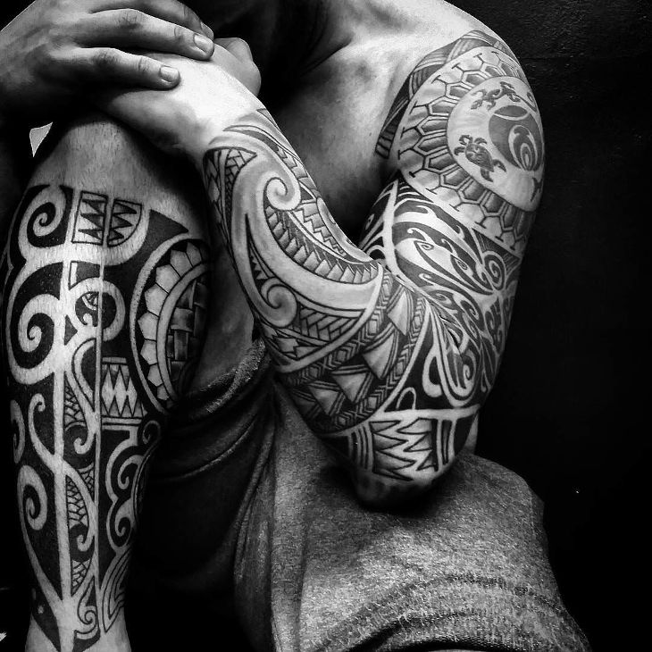 stunning lines and curls tattoo