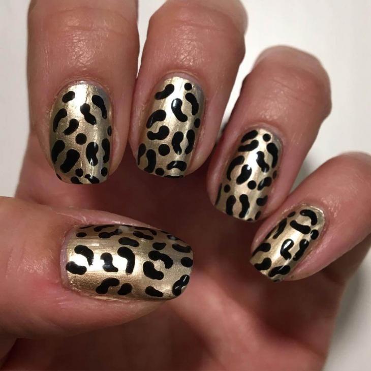 Gold Leopard Print Nail Design