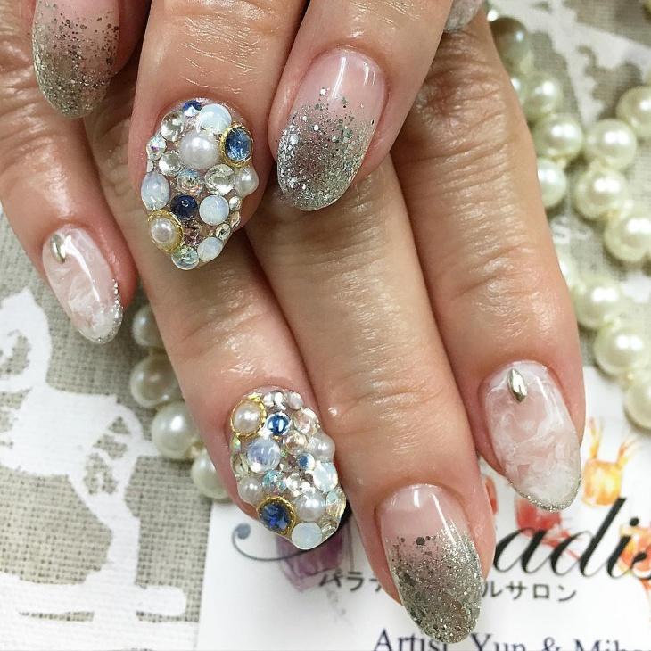 rhinstone gel nail art idea