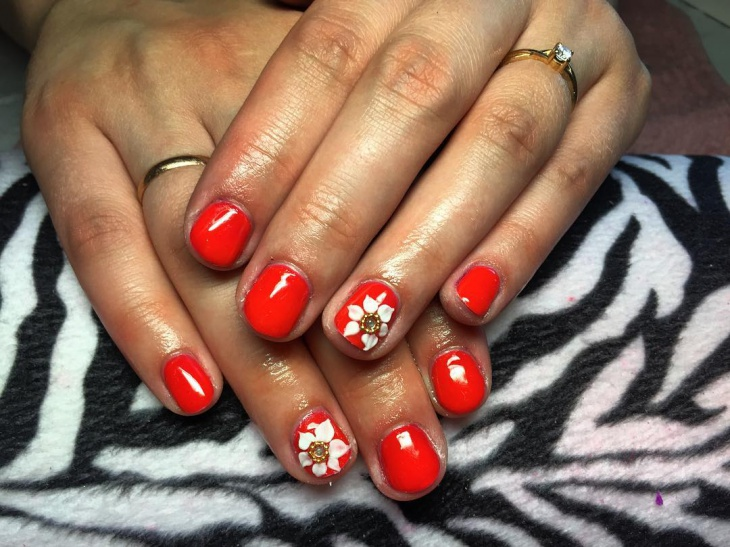 Red and White Gel Nail Art