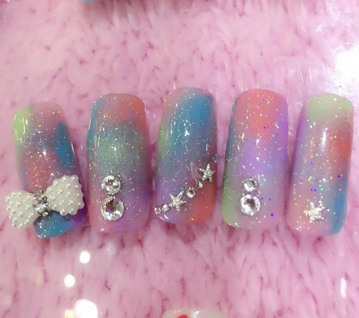 fake colorful gel nails