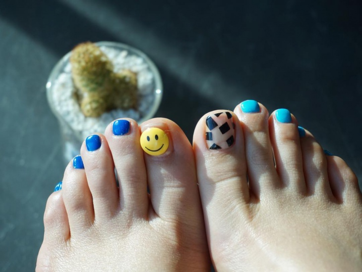 Toe Gel Nail Art idea