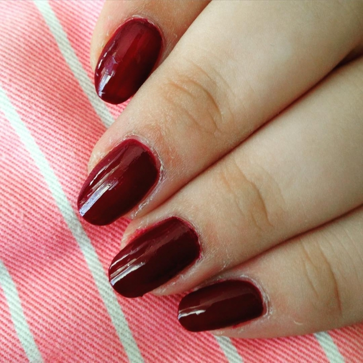 burgundy nail