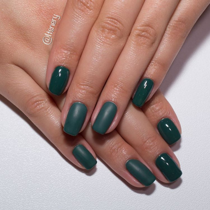 Bottle Green Gel Nails