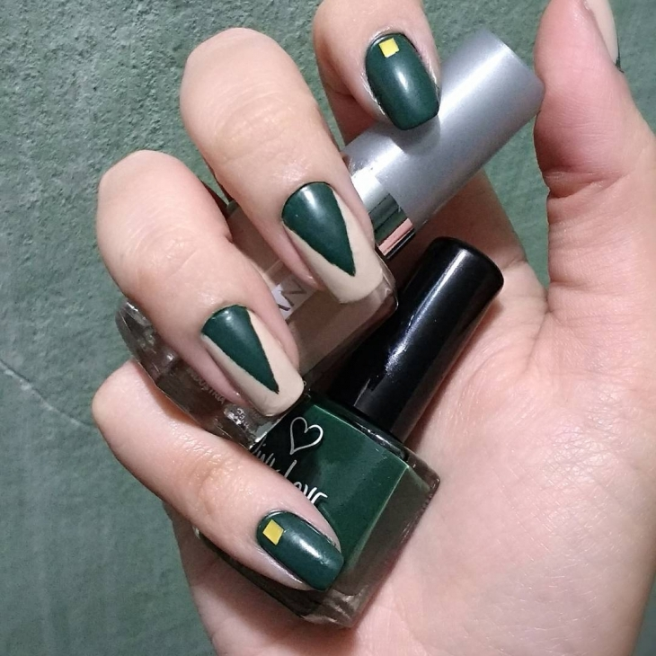 bottle green nails