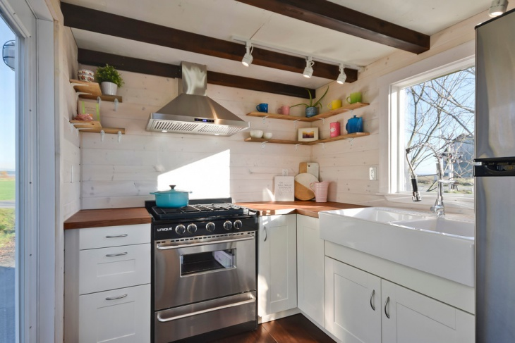 Farmhouse Tiny Kitchen Idea