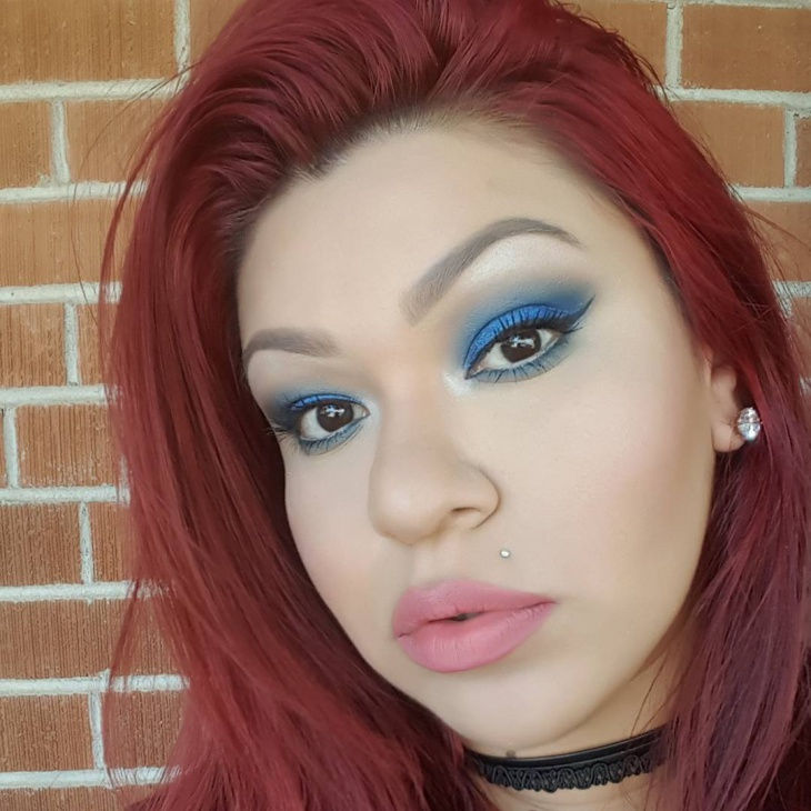 Blue Eye Shadow Makeup Idea
