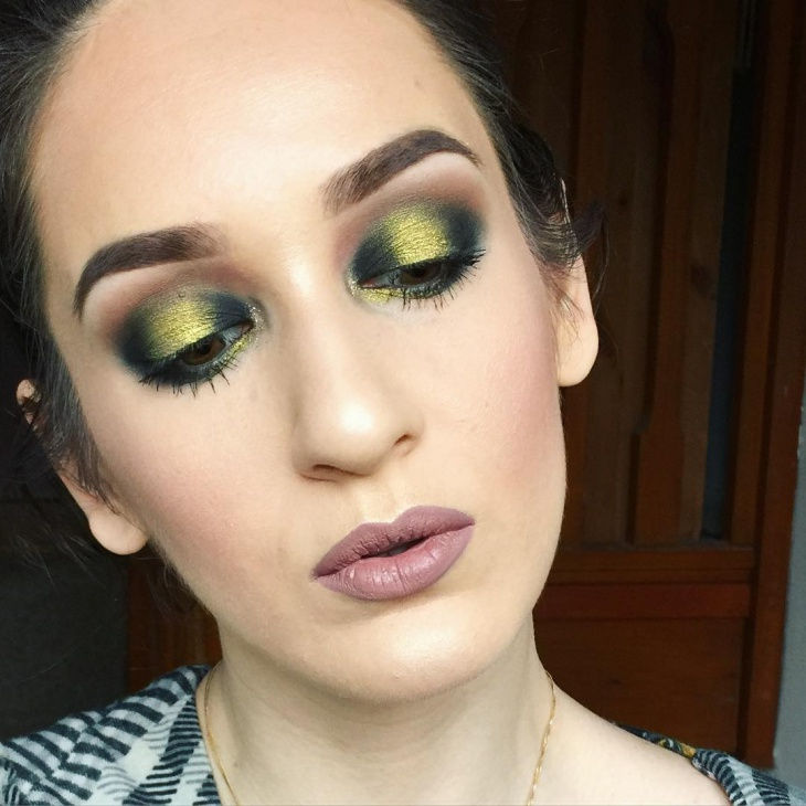 Unique Eye Makeup Idea