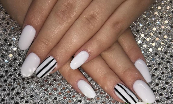 Simple Black and White Nail Art Idea