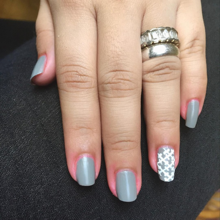Grey and White Nail Art Idea