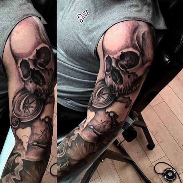 Skull Tatto for men complete hand