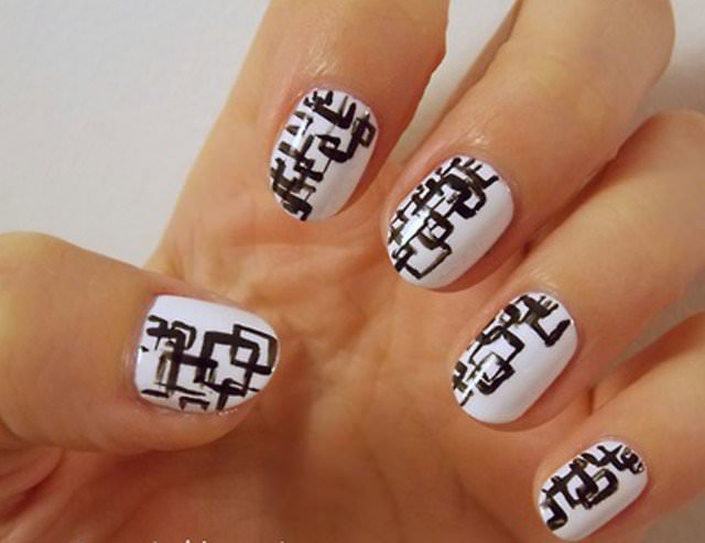 black and white manicure ideas 281 1024x789 640x493