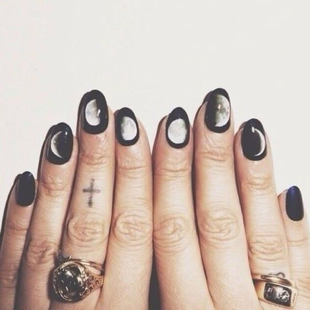lunar elicpse black and white nail designs