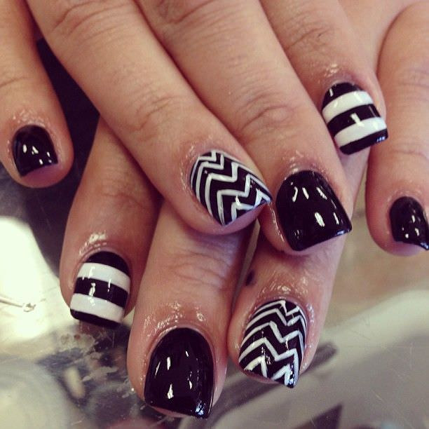 striped and zigzag nail art designs