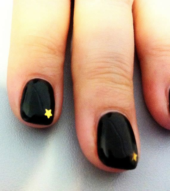 Black and gold Stars Nails