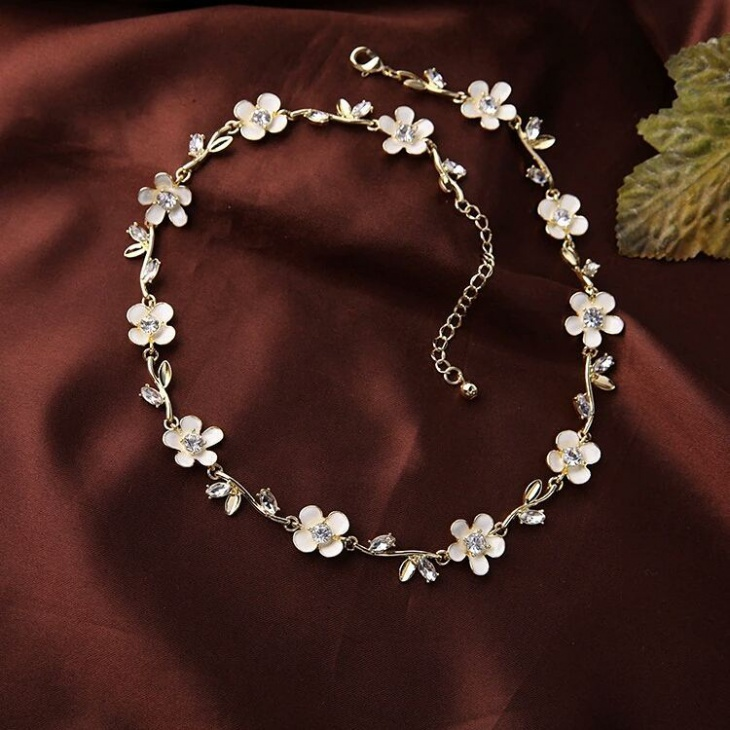 Simple Wedding Jewelry Design