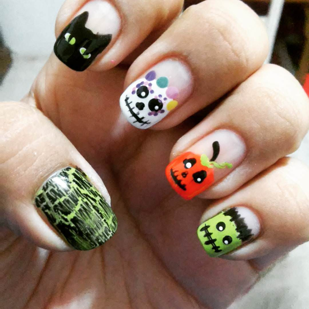 Halloween Nail Art: 20+ Cool Halloween Nail Designs