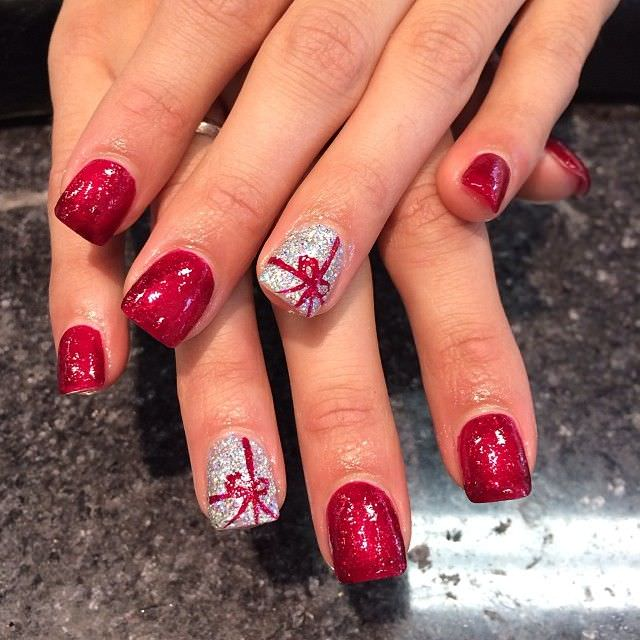 bow gel nail design