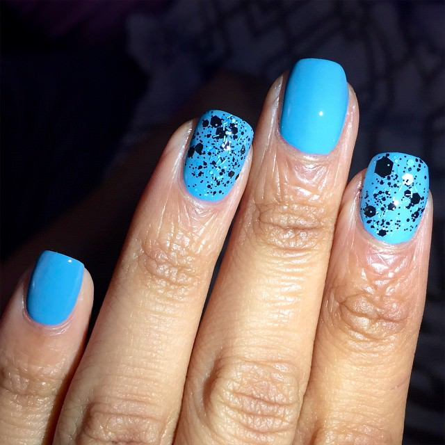 Simple Blue Color Nail Design