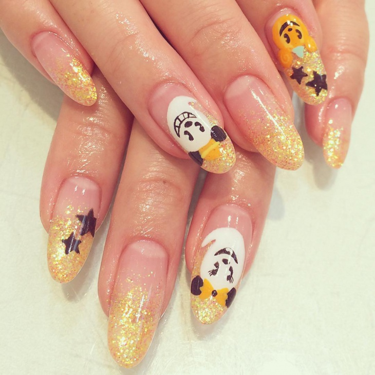 gold disney nail design1