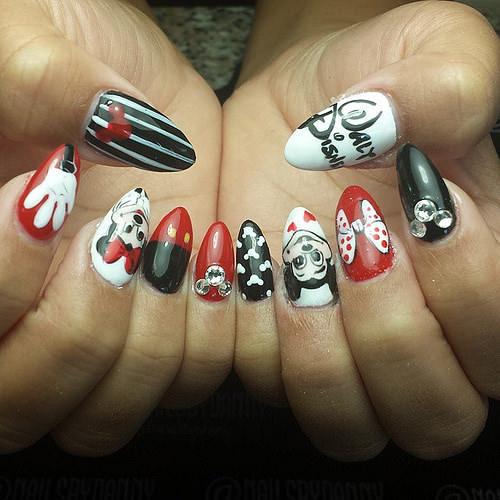 Mic Disney Nail Design