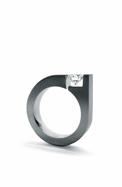 Feminine Diamond Ring Design