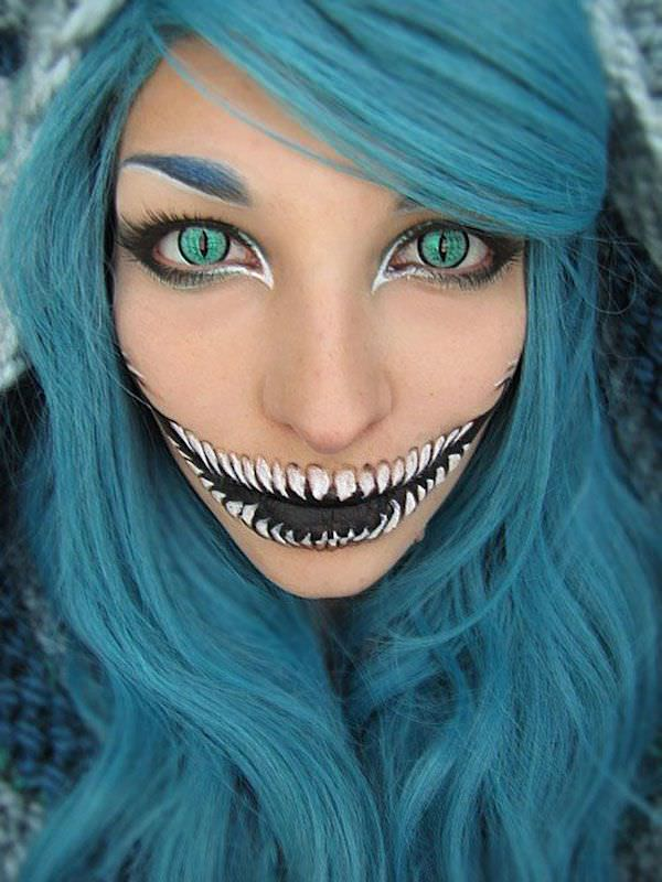 Halloween mouth makeup