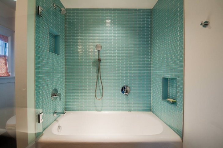 Aqua Blue Bathtub Tiles Design