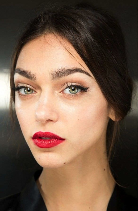 Beauty Look Red Lip Stick Design