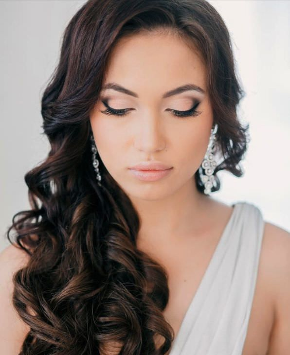 curly bridal makeup designs