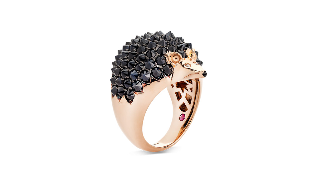 Hedgehog-ring-with-black-sapphires