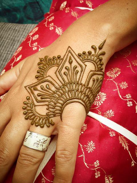 Simple Henna Mehandi Designs