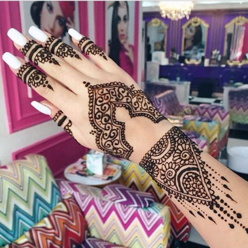 stunning mehandi designs