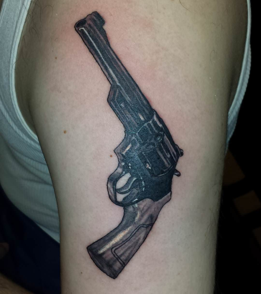 Kings Gun Tattoo Designs