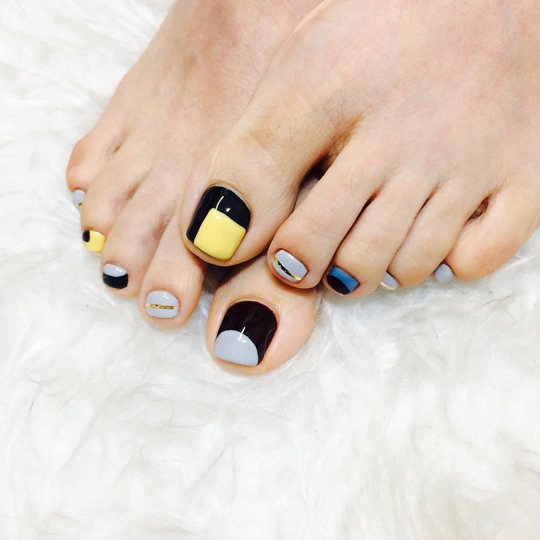 classy summer nail design