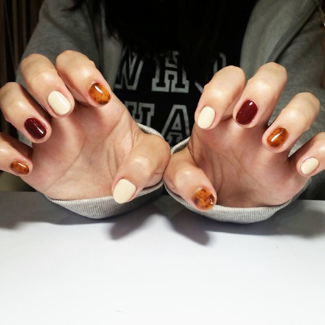 brun summer nail design