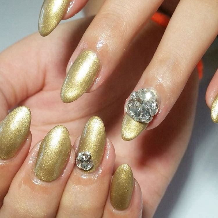 Gold Summer Nail Design