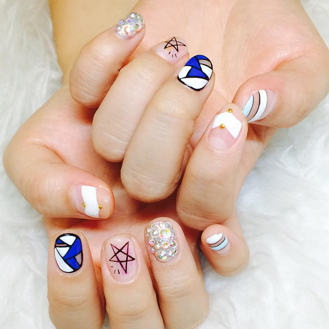 Jung Summer Nail Design