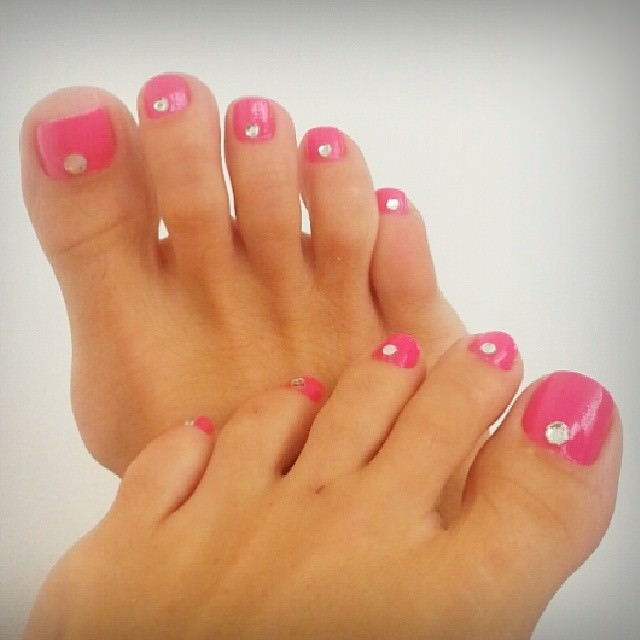 hot pink toe nail design