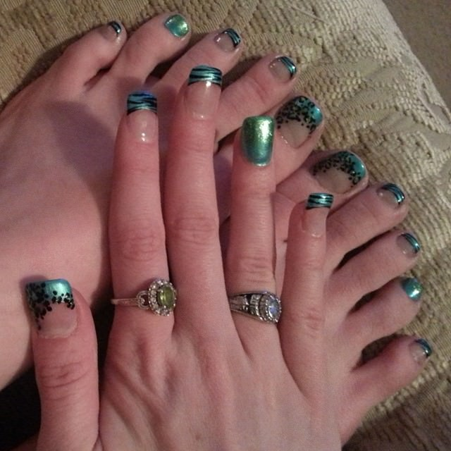 Angle Eyes Toe Nail Design
