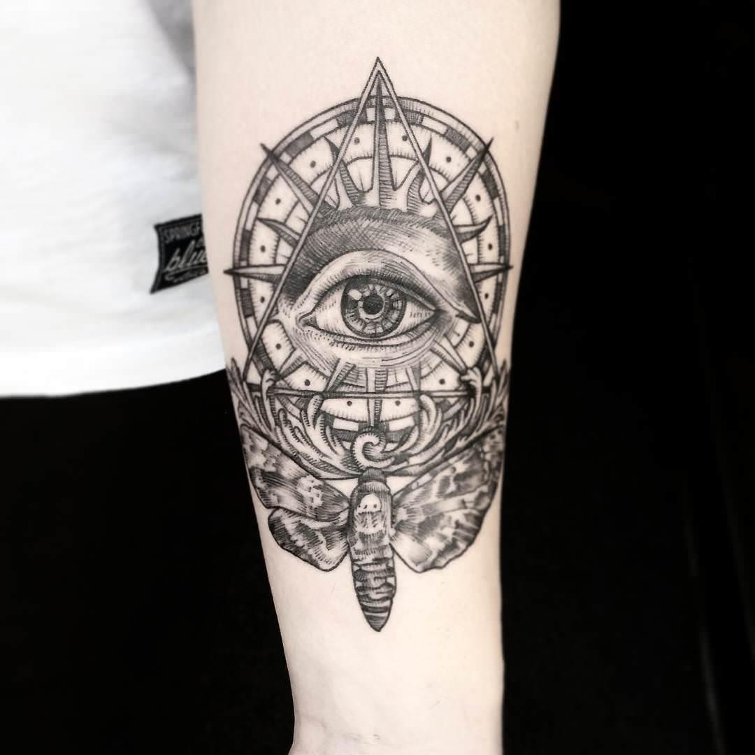 Link Work Eye Tattoo Design