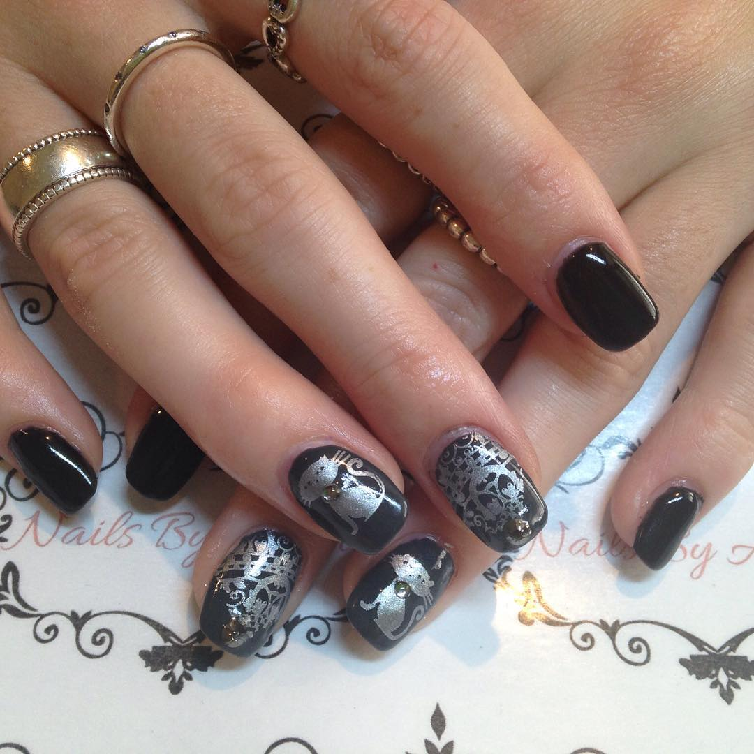 Pool Black Nail Design