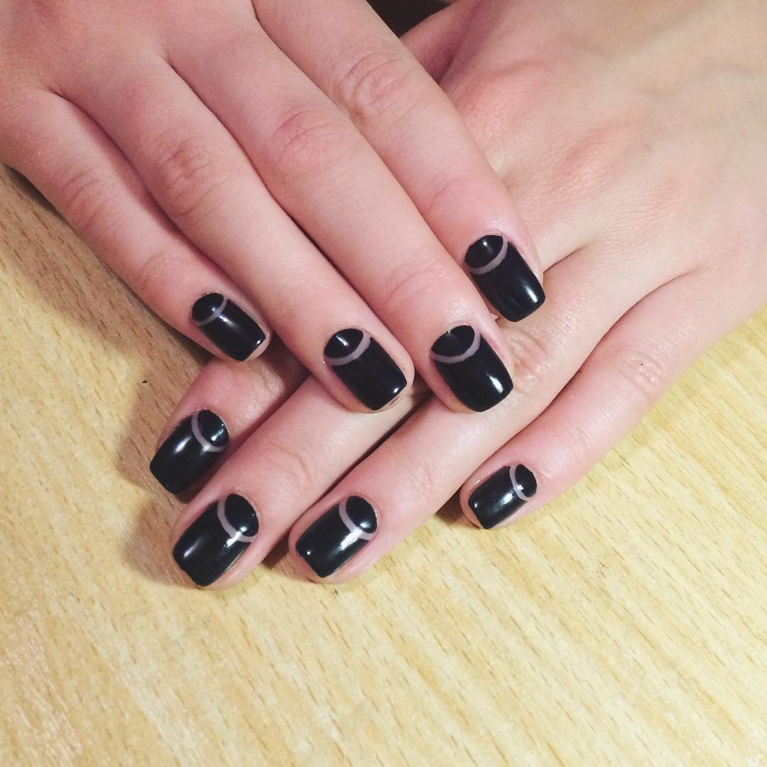 DoctorsBlack Nail Design