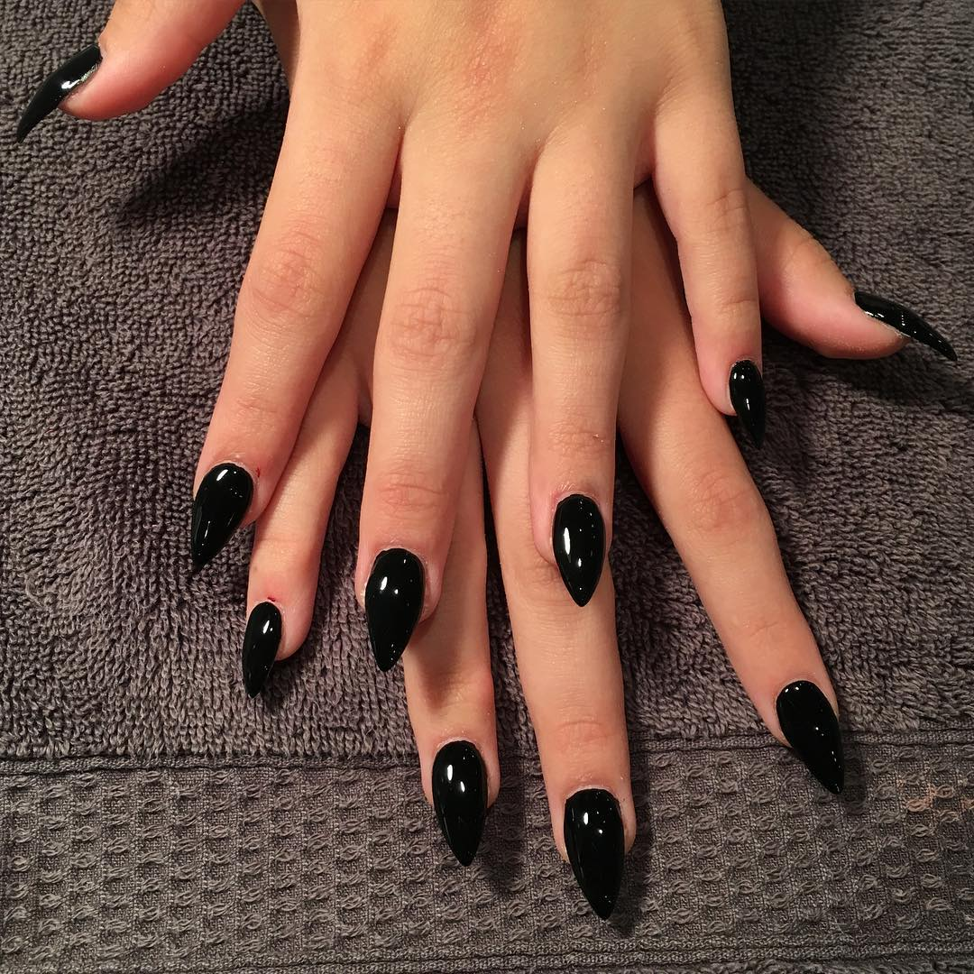 Gorgeous Black Nail Design