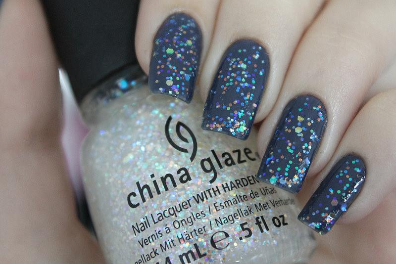 Snow Glitter Nail Design