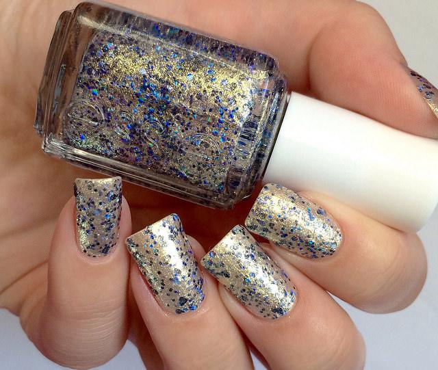 Trend Glitter Nail Design